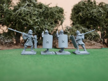 EIR Legionaries with manica and greaves