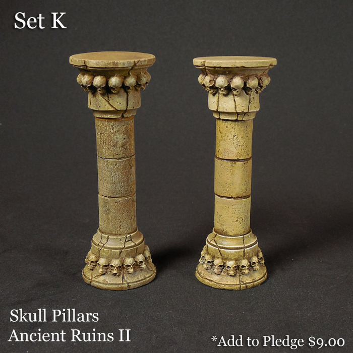 Skull Pillars Terrain Set