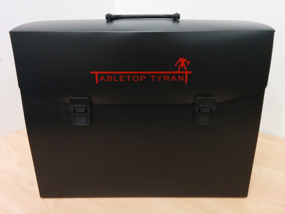 Tabletop-Tyrant-Squire-Plastic-Figure-Case-Warhammer-40k-1