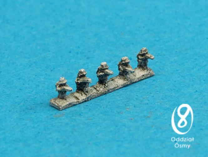 gw-617-german-infantry-i-late-15-pcs-german-riflemen-in-stahlhelms