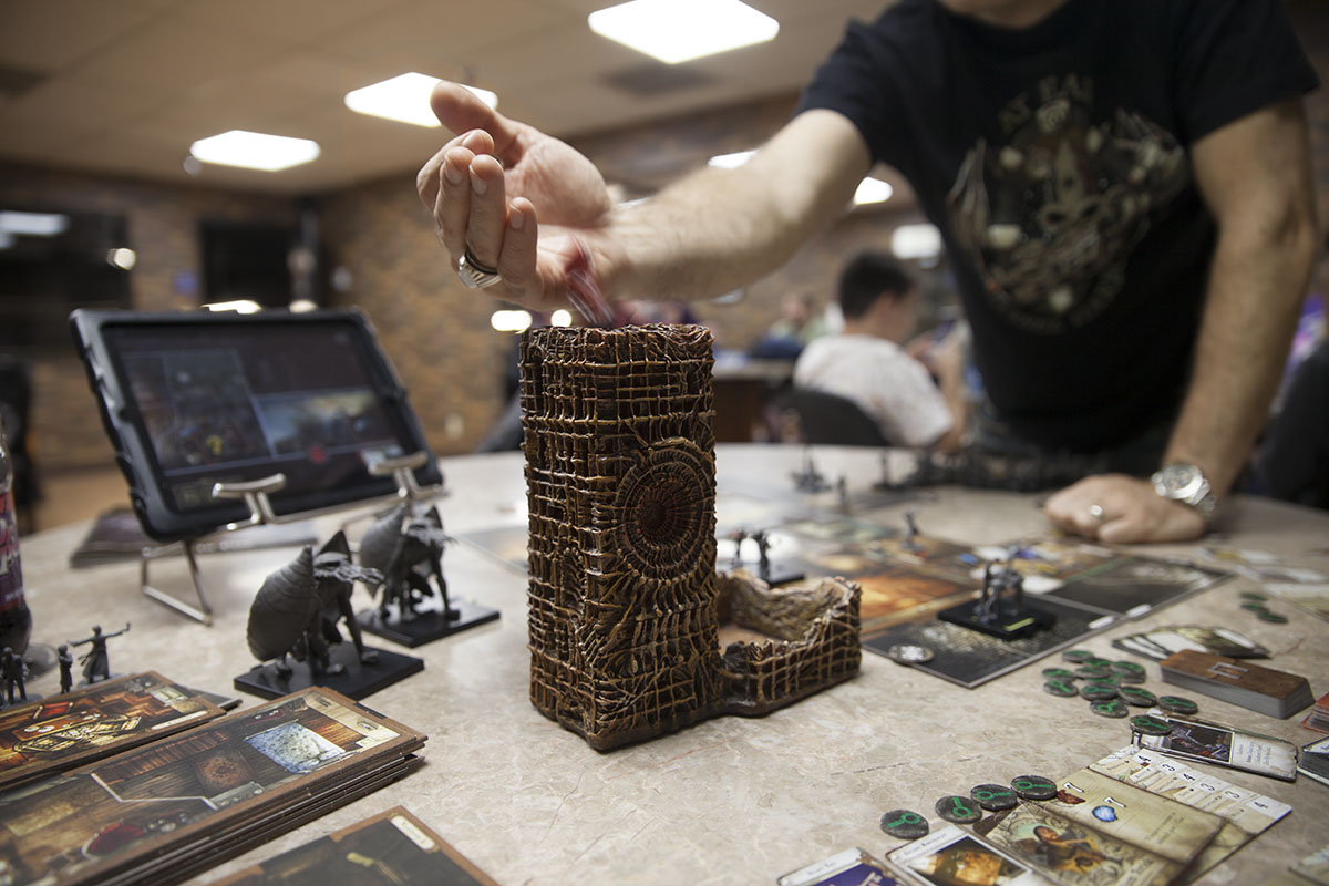 Surreal_Dice_Tower_In_Game_LR