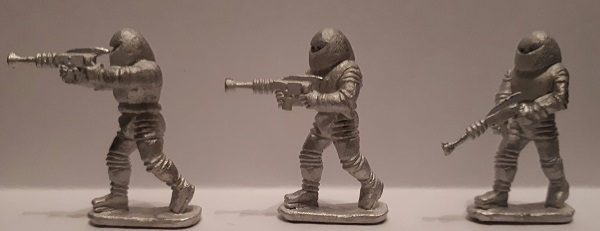 ALIEN SPACEMEN WITH RIFLES UNPAINTED